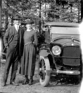 460 1910q Harry Webb   Bertha Burrell Webb in Oregon